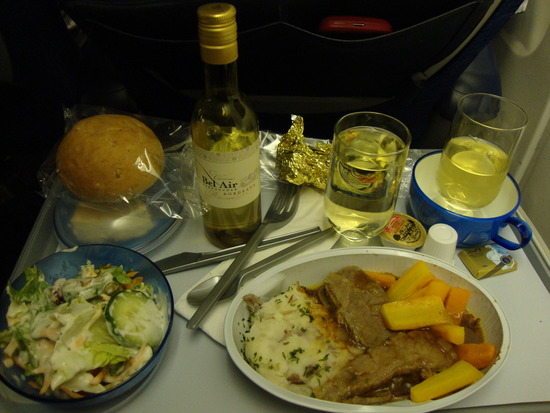 1.1272552275.hot-meal-wine-and-champagne
