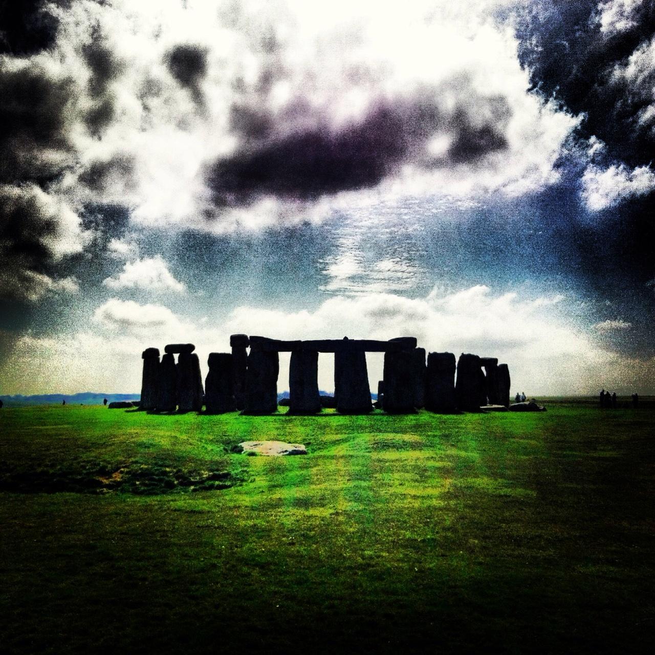 11.1367107200.stonehenge