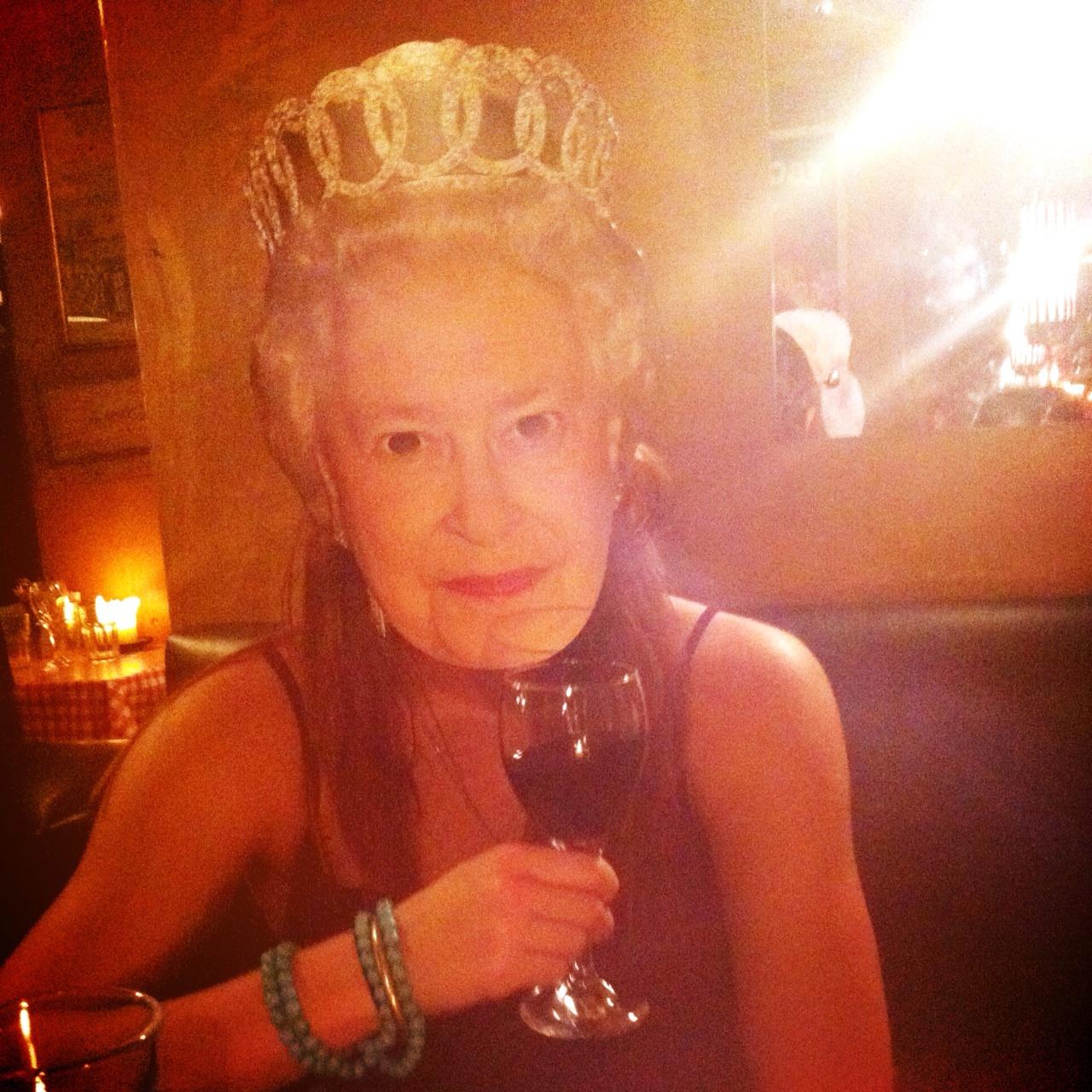 11.1367245217.meet-the-queen