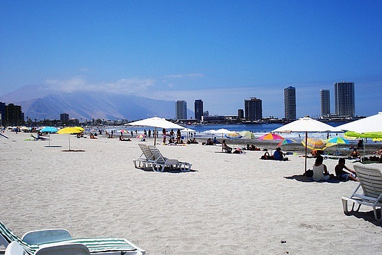 5.1271181011.the-beach-in-iquique