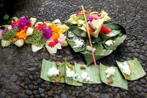 7.1295612153.balinese-spiritual-offerings