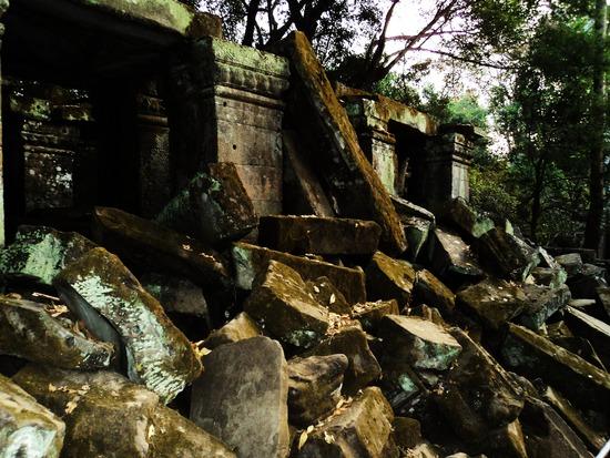 7.1296821788.destruction-from-khmer-rouge